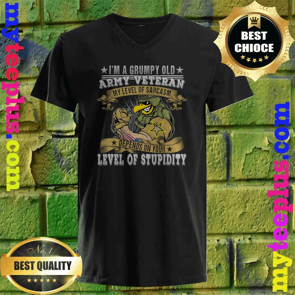 I'm A Grumpy Old Army Veteran Soldiers Military v neck